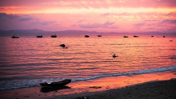 Hoàng hôn lãng mạn trên biển Vũng Tàu