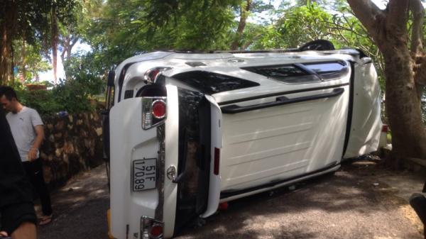 TP Vũng Tàu: Lật xe ô tô trên đường lên Hải Đăng, 4 người bị thương