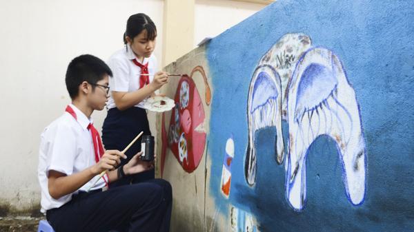 TP. Vũng Tàu: Những bức họa làm đẹp mái trường