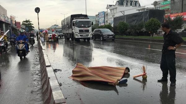 Chạy xe máy vào làn ô tô, 2 thanh niên bị tông chết thảm gần ngã 3 Vũng Tàu