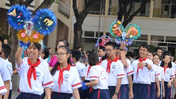 Trường THCS Nguyễn An Ninh, TP.Vũng Tàu: Làm gần 130 lồng đèn tặng bạn có hoàn cảnh khó khăn