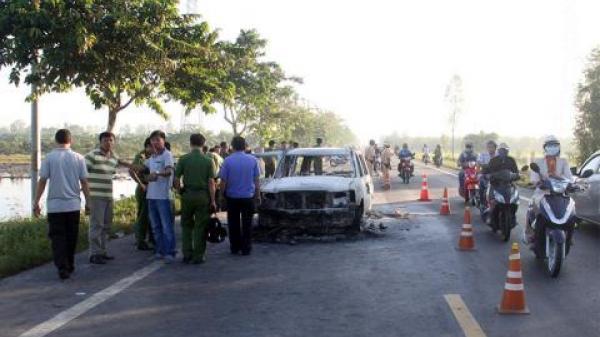 Giám đốc bị thiêu sống trong ô tô: Túi tiền bị cướp