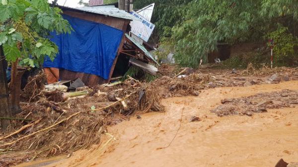 Quảng Nam sạt lở đất, hơn 50 người mất tích, Thủ tướng yêu cầu cứu hộ bằng mọi phương tiện