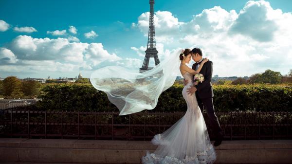 Nữ hoàng sắc đẹp toàn cầu Ngọc Duyên và bạn trai doanh nhân chụp hình cưới ở Paris