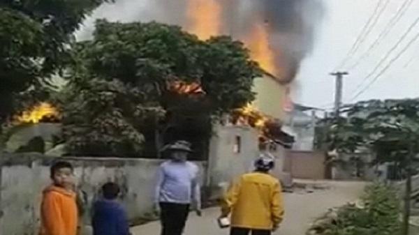 Tẩm xăng đốt nhà do mâu thuẫn, 3 người thương vong