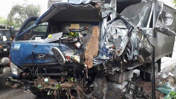 Yên Bái: Xe tải nát bét sau cú đâm va kinh hoàng với xe ben, tài xế tử vong tại chỗ