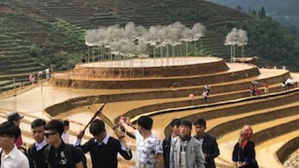 Yên Bái: Hàng ngàn người lên núi chiêm ngưỡng 'Mây pha lê
