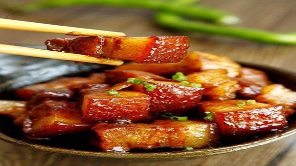 Món thịt mắm cơm đỏ của người Tày Lục Yên