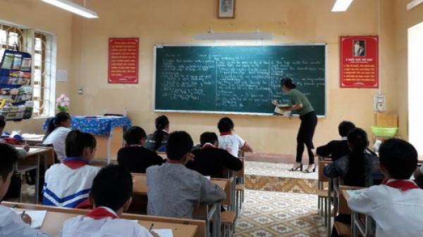 Mù Cang Chải: Cô giáo vùng cao dạy tiếng Anh bằng 3 thứ tiếng