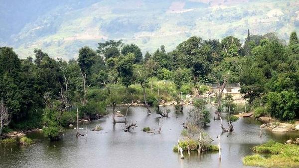 Điện Biên: Ngược dãy núi Phù Lùng, khám phá hồ Noong U
