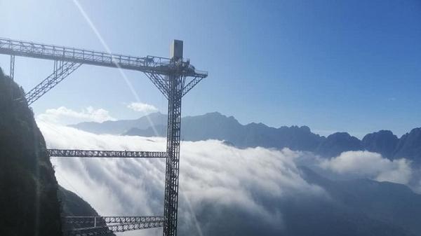 Lai Châu: Sau 7 tháng hoãn lên hoãn xuống, cầu kính hoành tráng đã chính thức lộ diện hình ảnh thật cùng ngày khai trương