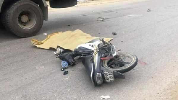 Hòa Bình: Xe máy va chạm xe tải, 1 người tử vong tại chỗ