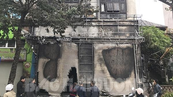 Cháy nhà ở đường Tuệ Tĩnh, nhiều tài sản bị hư hỏng