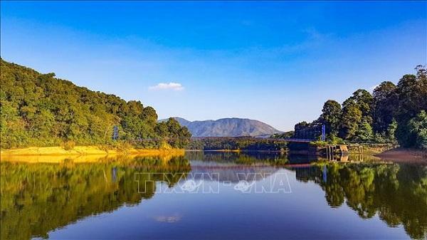 Điện Biên: Ngỡ ngàng hồ Pá Khoang khi thu về