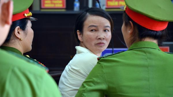 Vụ xử mẹ nữ sinh: Trần Thị Hiền kêu gọi mọi người giúp đỡ cho v.a.y tiền