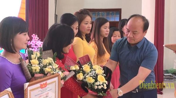 Điện Biên: Công nhận 239 giáo viên dạy giỏi cấp thành phố