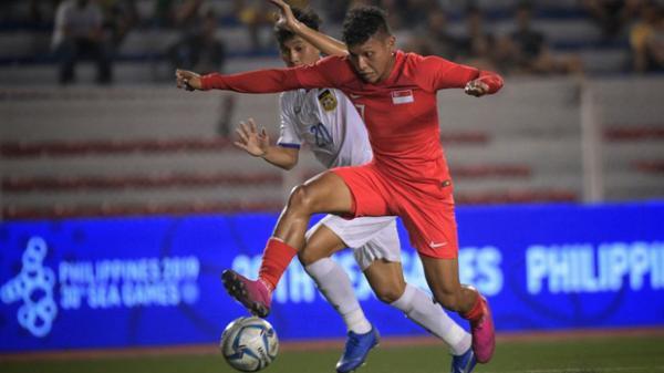 Tiết lộ động trời: Cầu thủ Singapore trốn đi đánh bạc ngay trước trận thua Việt Nam