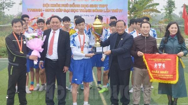 Trường THPT Cẩm Giàng đoạt cúp vô địch