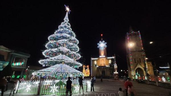 Xứ đạo Kẻ Sặt rộn ràng vui đón Giáng sinh