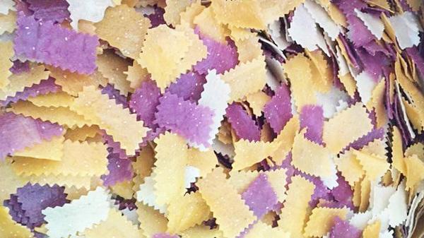 Sắc màu bánh khẩu xén - đặc sản Điện Biên được du khách ưa chuộng