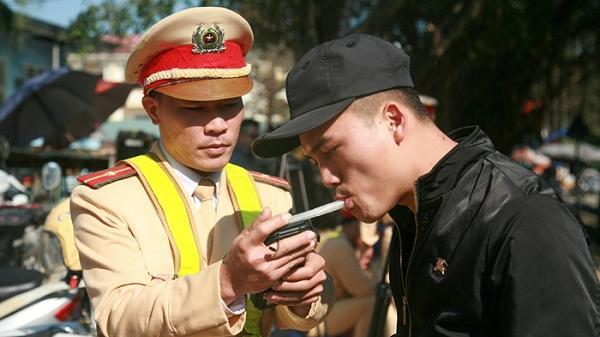 Điện Biên: Ra quân xử lý vi phạm nồng độ cồn