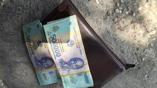 Tìm chủ sở hữu 2 tập tiền bị đánh rơi tại xã Quang Thành