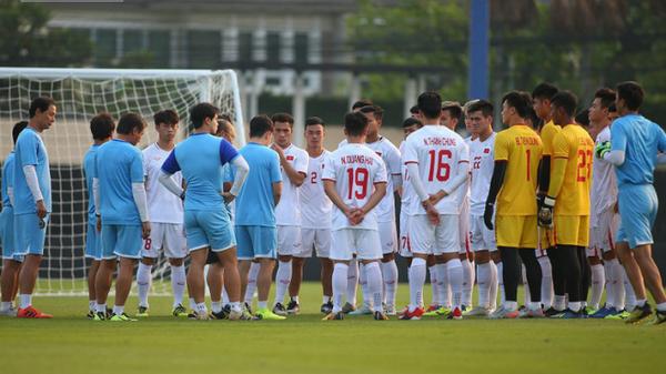 U23 Việt Nam nhận hung tin, nguy cơ mất trụ cột ở hàng thủ khi quyết đấu U23 Triều Tiên