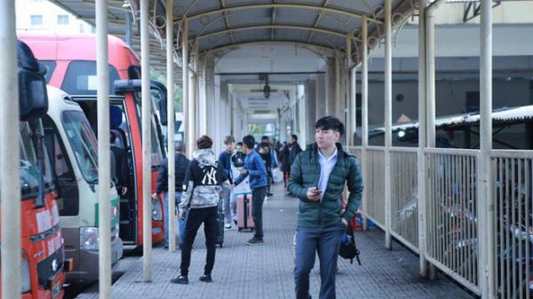Choáng trước cảnh bến xe vắng tanh, xe xuất bến có đúng 2 khách ngày sát Tết