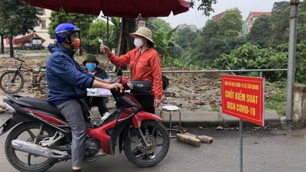 """Cuộc sống trong thôn cách ly ở Hưng Yên, 1400 người dân """"nội bất xuất, ngoại bất nhập"""""""