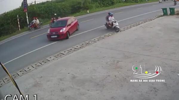 Video: Cú đ.âm kinh hoàng khiến 3 người từ 3 hướng gặp nạn, camera bóc trần nguyên nhân thực sự