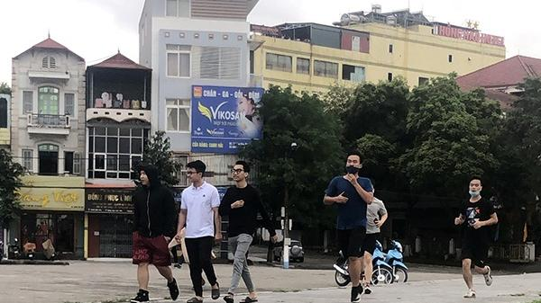 Thành phố Lào Cai: Nhiều người không đeo khẩu trang khi đi dạo, tập thể dục