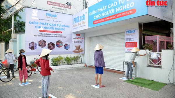 'ATM gạo' miễn phí ở Sài Gòn dành cho người có hoàn cảnh khó khăntrong mùa dịch COVID-19