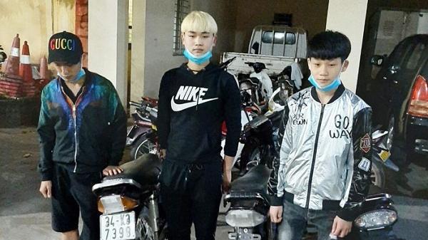 Thanh Hà xử lý 10 thanh thiếu niên đi xe máy không đội mũ bảo hiểm