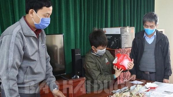 """Hải Dương: Thêm 1 học sinh """"mổ lợn"""" ủng hộ phòng chống dịch Covid-19"""