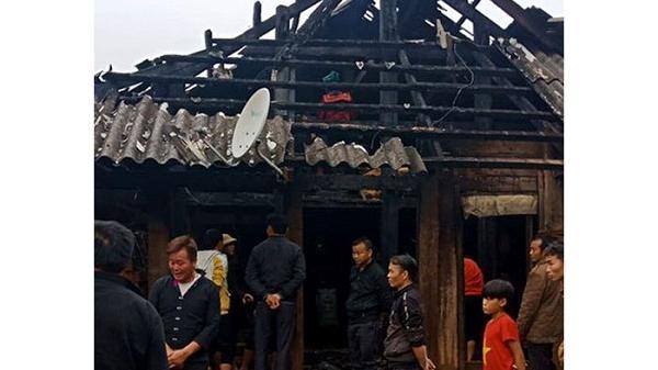 Điện Biên: Cháy nhà dân nghi do chập điện