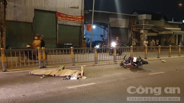 Tông cọc bê tông nhô ra khỏi thùng xe tải, thanh niên tử nạn ở Sài Gòn