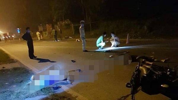 Hòa Bình: Hai xe máy đấu đầu trên quốc lộ, 3 người tử vong tại chỗ