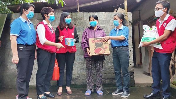 Tặng 500 suất ăn, 300 khẩu trang, quà cho các hộ khó khăn tại TP Hòa Bình