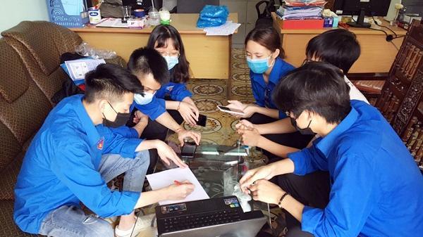 Trường THPT số 1 Lào Cai chế tạo thành công giàn phun khử trùng toàn thân