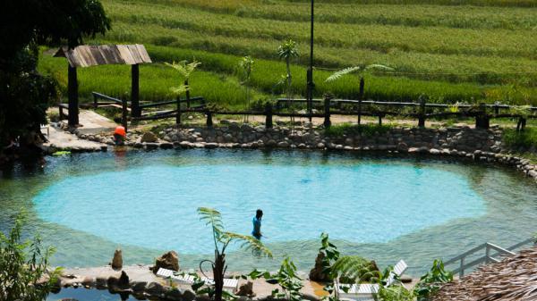 """""""Gấu"""" có thể không có nhưng gió mùa về thì nhất định phải tới Yên Bái tắm suối nước nóng ấm áp"""