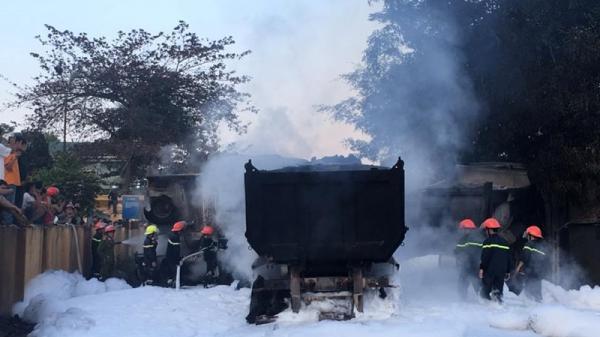Kinh hoàng: Tai nạn liên hoàn khiến 4 xe ô tô bốc cháy dữ dội