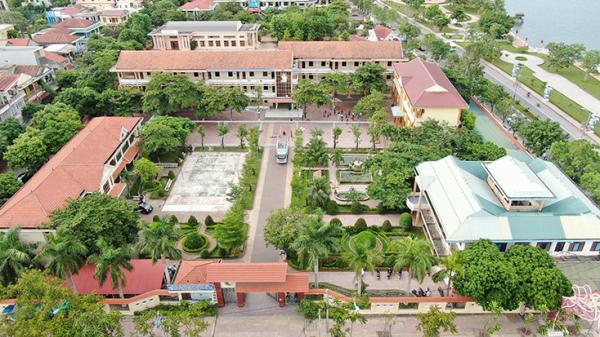 """Hành trình 60 năm """"trồng người"""" của ngôi trường cấp III đầu tiên của tỉnh Quảng Bình"""