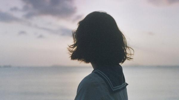 Mỗi khi cô gái của bạn buồn đi một lần, thì tình cảm cũng sẽ vơi đi một ít