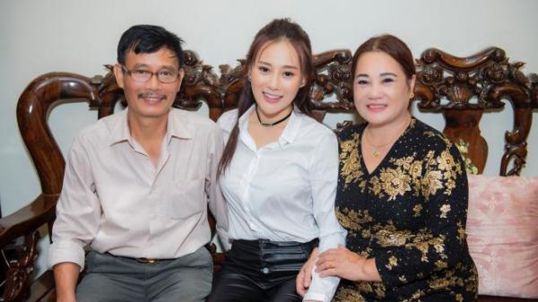 Người đẹp Hà Nam Phương Oanh 'Quỳnh búp bê' từng rửa bát thuê, phát tờ rơi để trang trải cuộc sống sinh viên