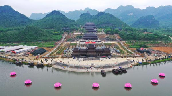 Hà Nam: Những điều có thể bạn chưa biết về Chùa Tam Chúc - nét đẹp cổ kính giữa chốn non nước bao la hùng vĩ