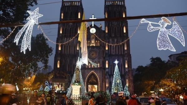 Viếng thăm giáo đường ở Hà Nam và nhiều nơi mùa Noel