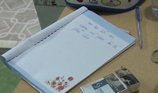Còn đây là đoạn thư tuyệt mệnh nghi do anh D. ghi lại trong cuốn sổ tay. Ảnh: Tấc Vun