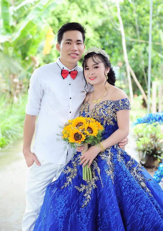Anh Trần Văn Trọng và người vợ xinh đẹp mới cưới