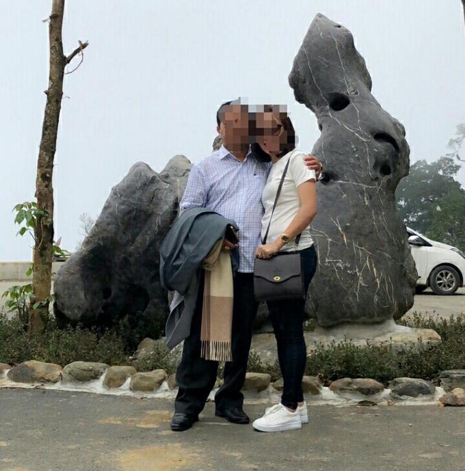 Nhiều hình ảnh thân mật của vợ anh Trung với ông xem được anh phát hiện trong điện thoại của vợ
