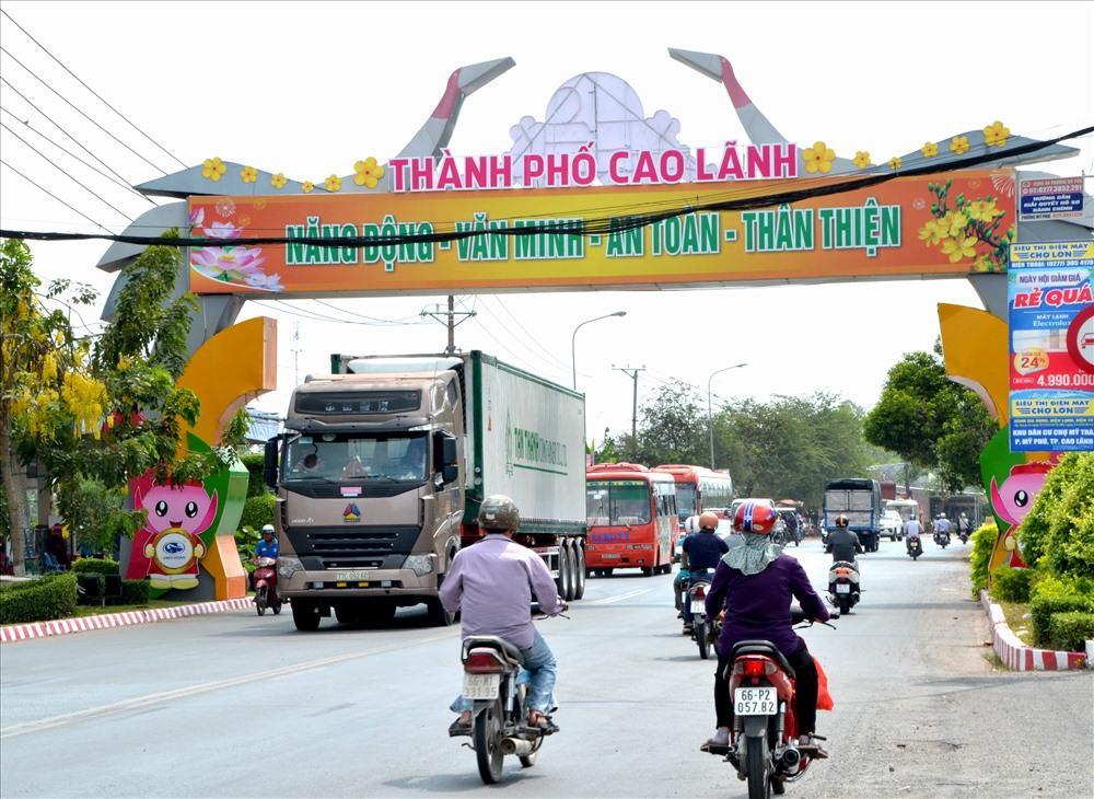 Cầu Vàm Cống đi vào hoạt động sẽ tạo ra kết nối giao thông mới, song cho vùng Tây Nam Bộ. Ảnh: Lục Tùng